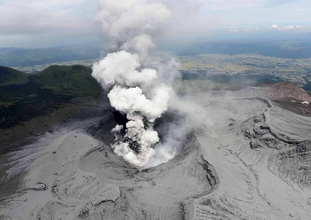 阿蘇山噴火の画像