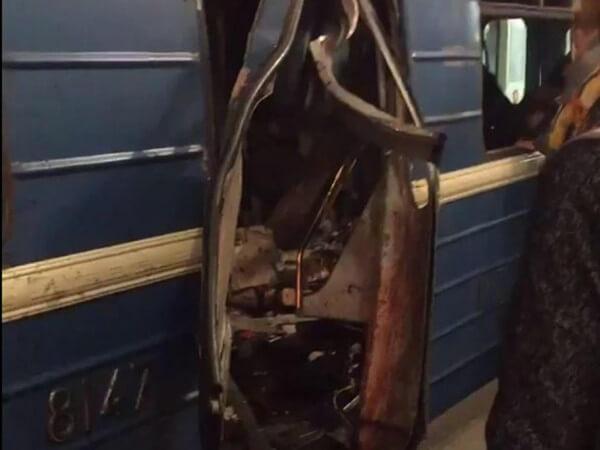 ロシアの列車爆発の画像