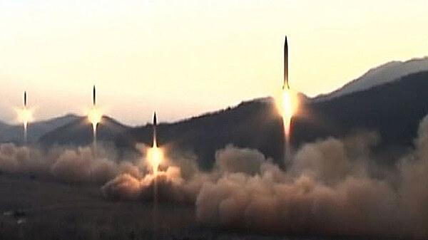ミサイル発射の画像
