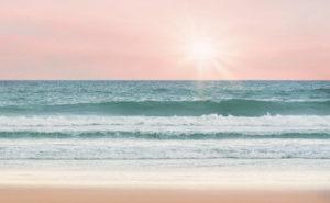 海と太陽の画像