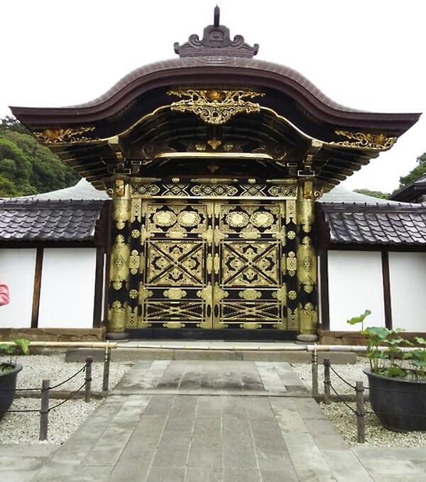 建長寺の門の画像