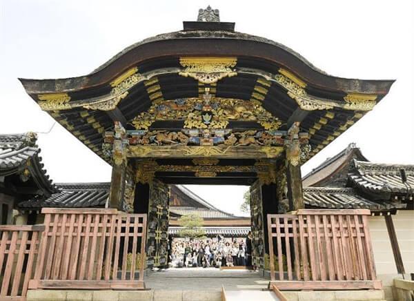 西本願寺の唐門の画像