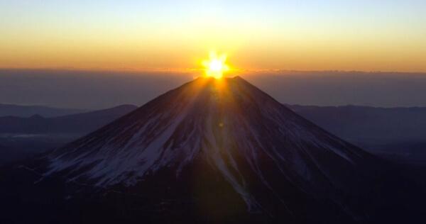 ダイヤモンド富士の画像
