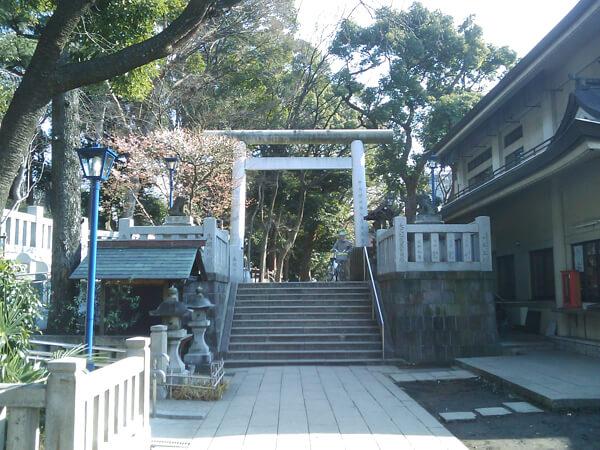 五條天神社の境内1
