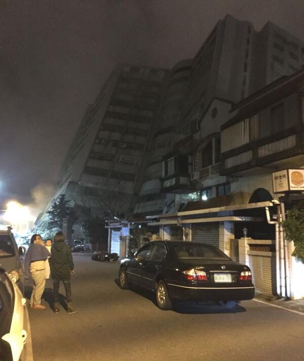 台湾の地震の写真