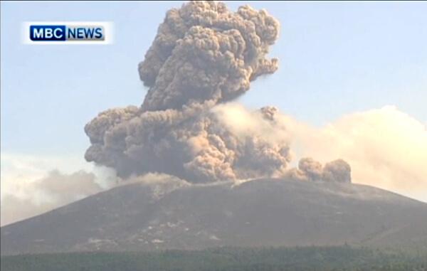 新燃岳の噴火の様子(6月22日)