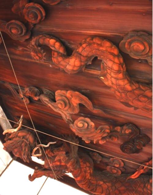 龍の彫刻の写真