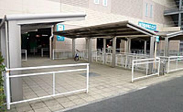 イオンモール浜松志都呂の駐輪場の写真