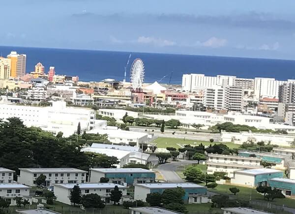 沖縄県北谷町美浜の観覧車の写真