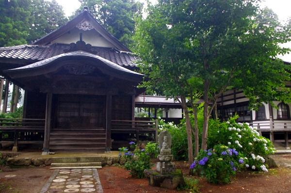 古いお寺の写真