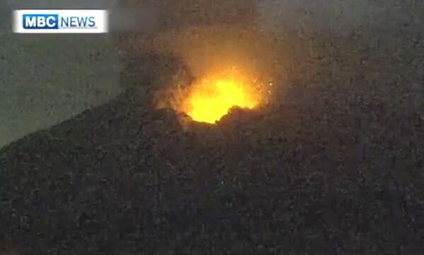 桜島噴火のニュース写真