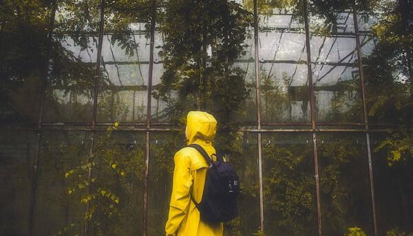 雨カッパ姿の写真