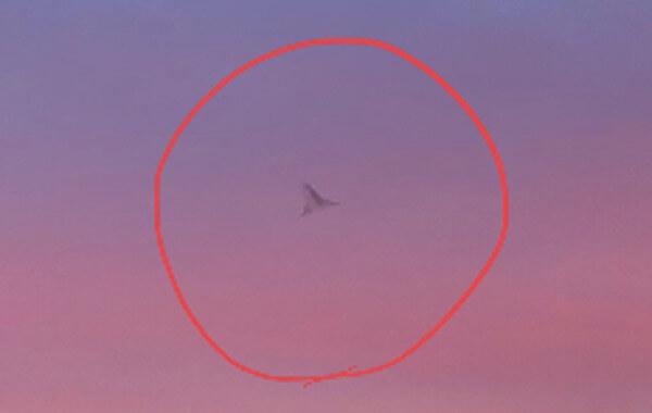 謎の飛行物体の写真