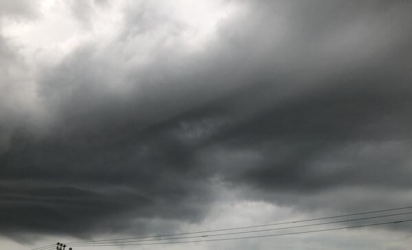面白い形の雲の写真「龍(その2)」