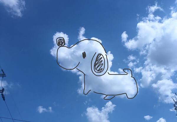 面白い形の雲の写真「スヌーピー」