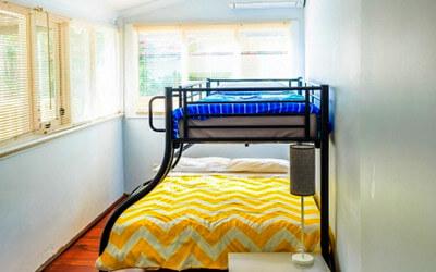 二段ベッドの写真