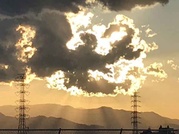 火の鳥のような雲の写真