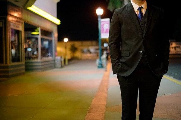 スーツ姿の男性の写真