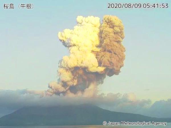 桜島の噴火の写真