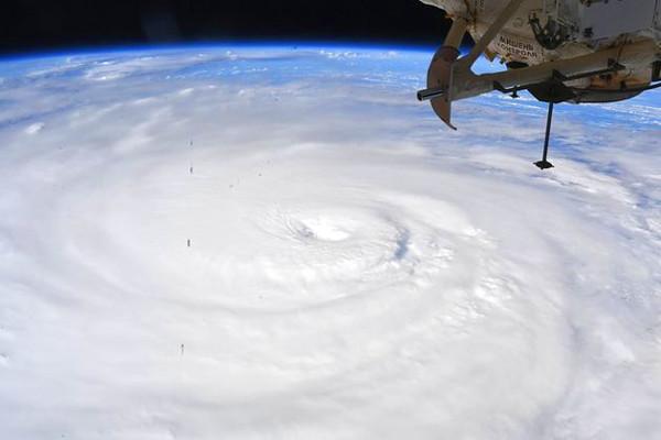 台風10号の写真