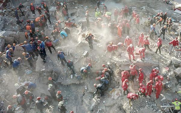トルコ沖で起きた地震の写真
