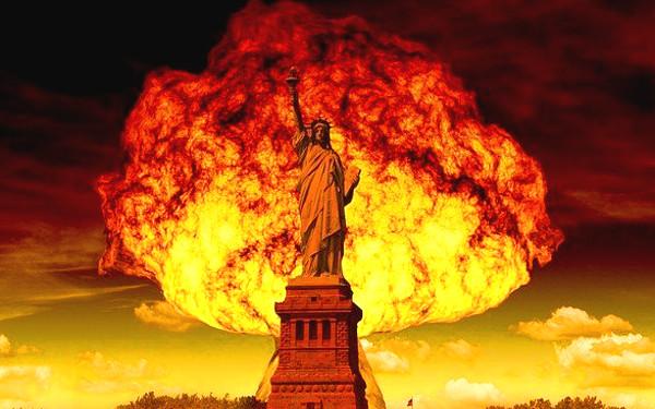 爆発のイメージ写真
