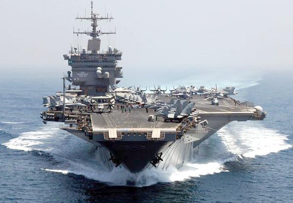 アメリカの戦艦(USSエンタープライズ)の写真
